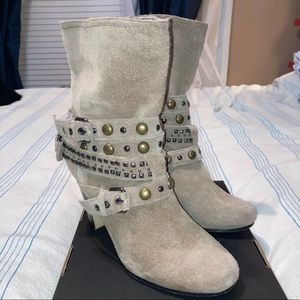 Dolce Vita belted booties